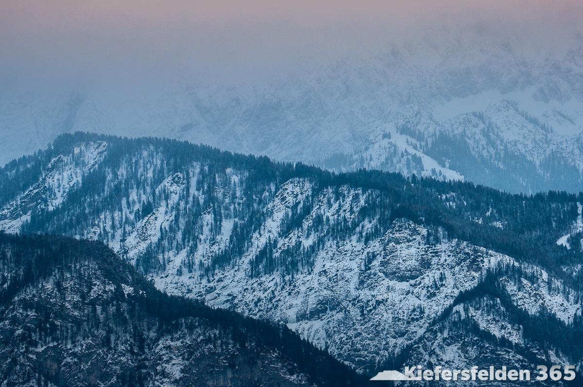 25.02.2015 - Kaisergebirge bei Abenddämmerung