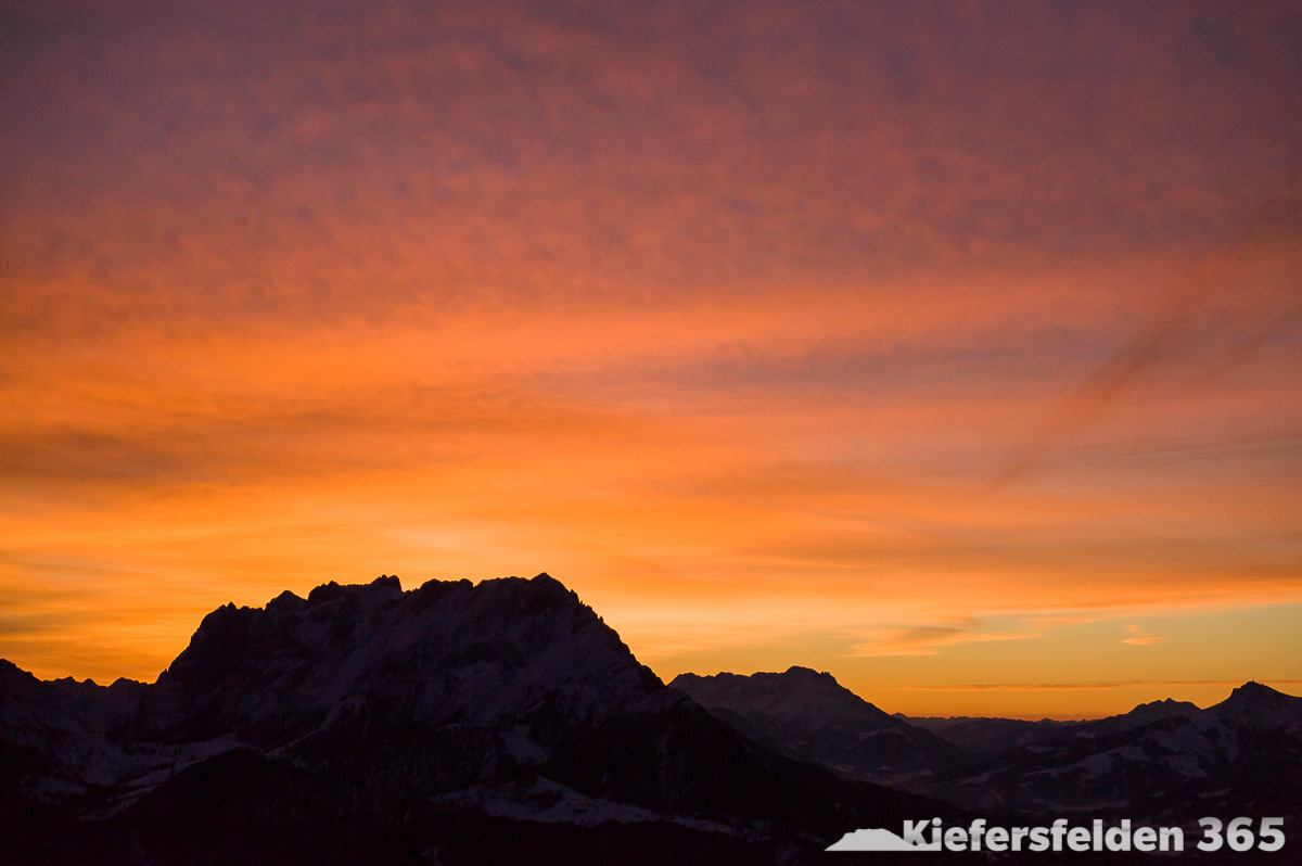11.03.2015 - Sonnenaufgang über dem Wilden Kaiser