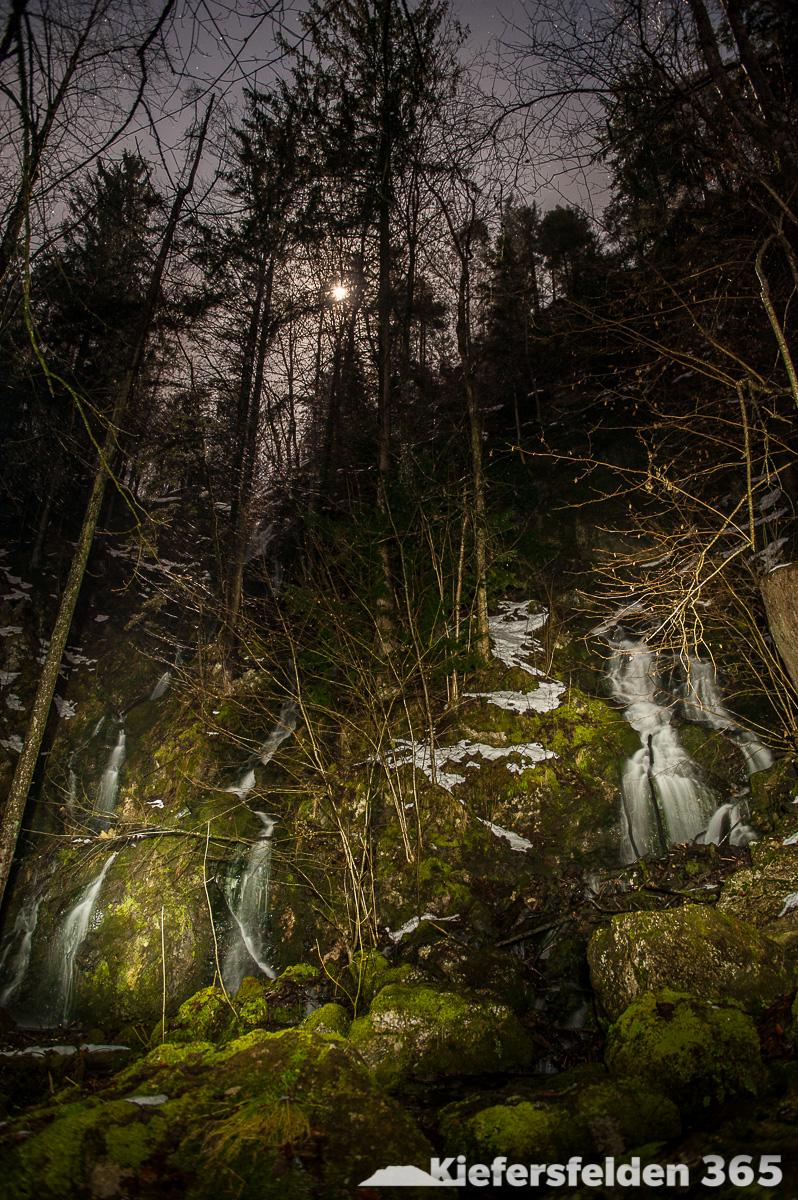 16.03.2015 - Lichtmalerei am Kieferbach