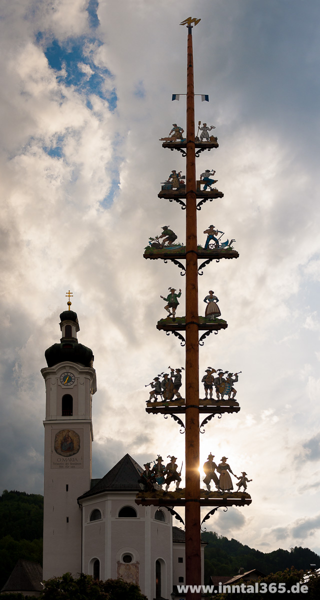 14.05.2015 - Maibaum in Oberaudorf