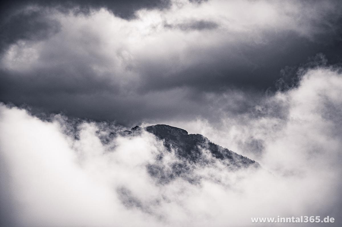 01.08.2015 - Zahmer Kaiser in den Wolken