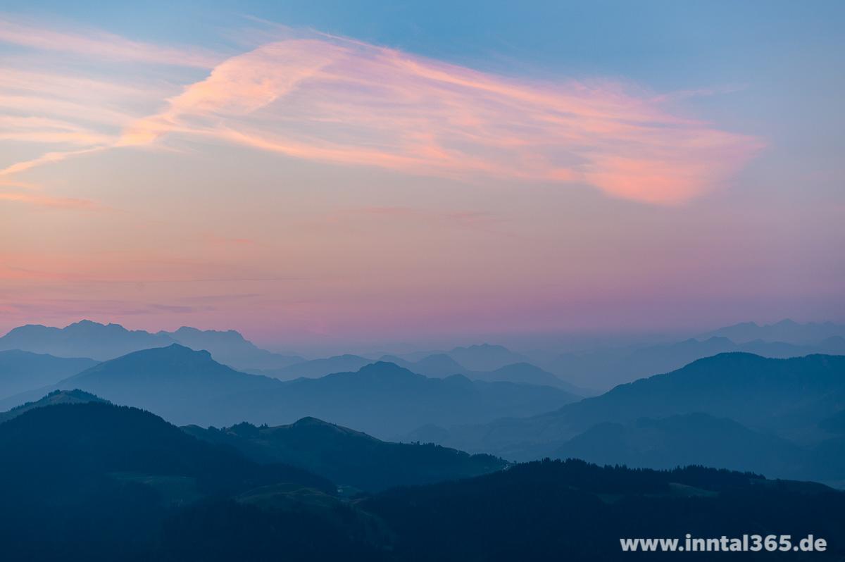 28.08.2015 - Sanfte, farbenfrohe Morgendämmerung