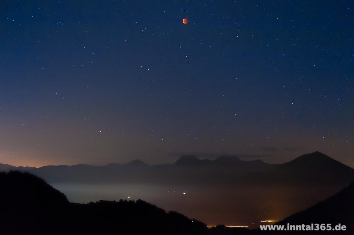 28.09.2015 - Mondfinsternis mit Voralpen.