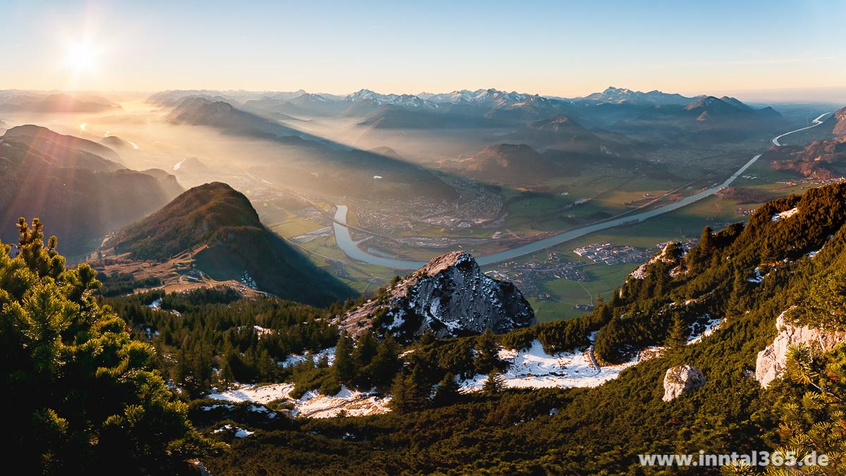 03.12.2015 - Aussicht vom Petersköpfl (1745 m) am Zahmen Kaiser