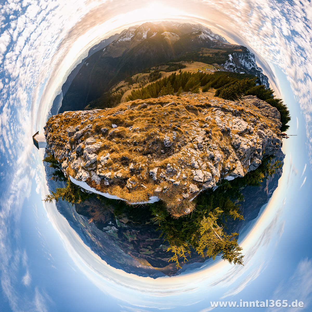 08.12.2015 - Brünnsteingipfel im Little-Planet-Panorama.