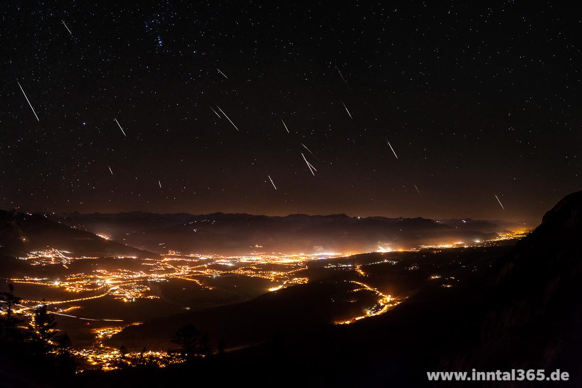 15.12.2015 - Geminiden über dem Inntal. Blick vom Feuerköpfl aus Richtung Süd/Südwest